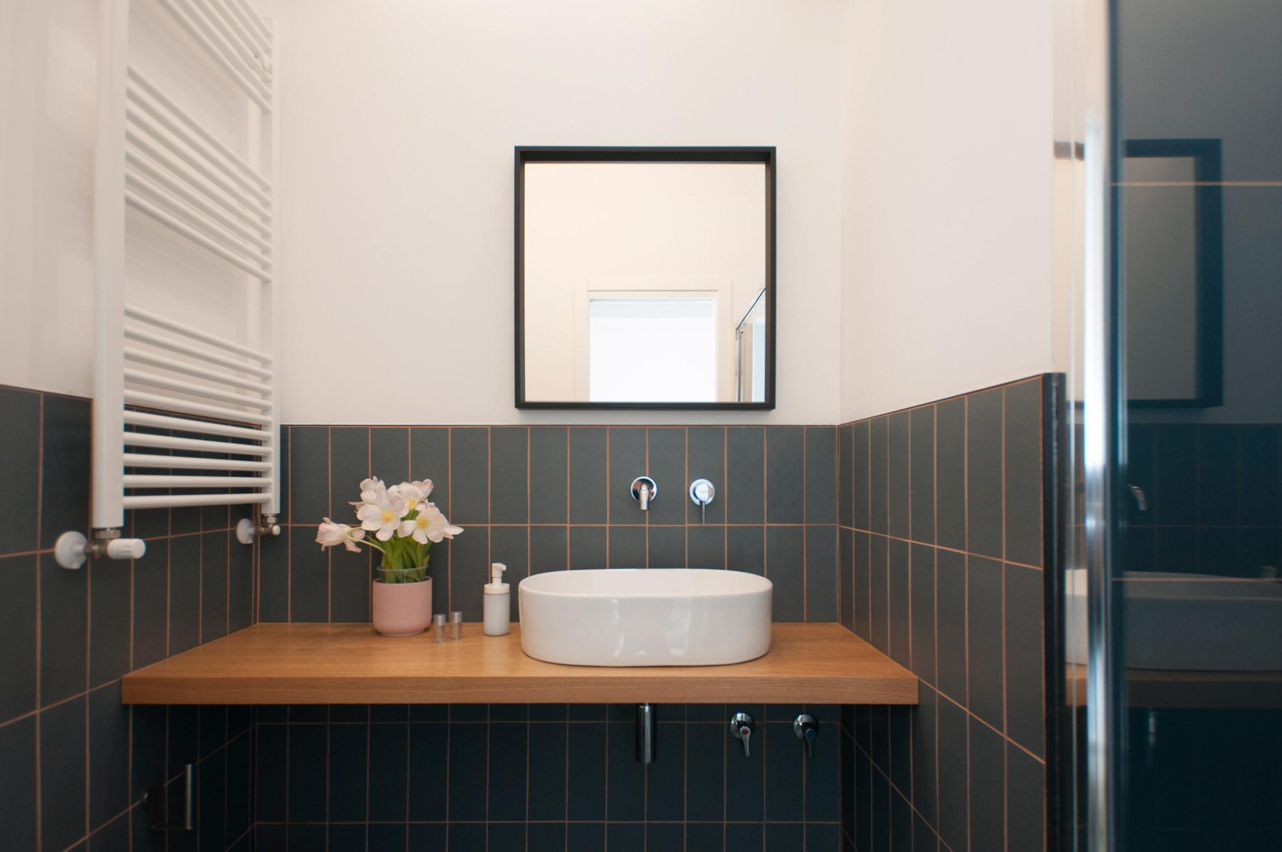 dettaglio-bagno-in-camera-2-casa27-b&b-terracina