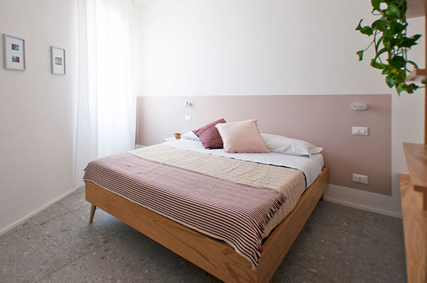 low-letto-camera-3-casa27-b&b-terracina